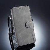 DG.MING Retro Oil Side Horizontal Flip Case voor Xiaomi Pocophone F1, met houder & kaartsleuven & portemonnee (grijs)