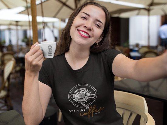 But First Coffee Koffie Queen Koffieliefhebber | Grappig Humor T-Shirt | Warme drankje | Cadeau voor haar | Unisex Maat S