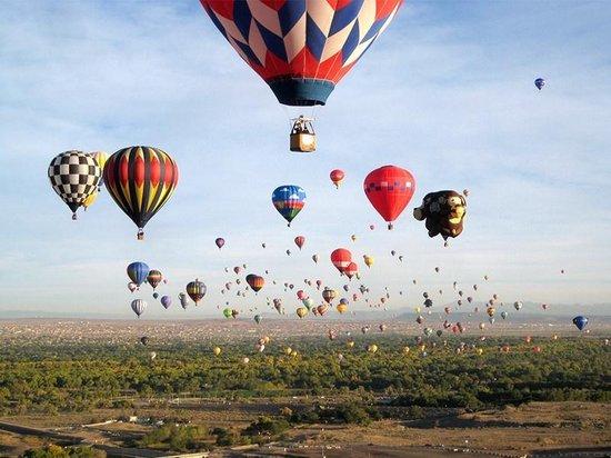 Bongo Bon - Adembenemende ballonvlucht voor 2 personen Cadeaubon - Cadeaukaart cadeau voor man of vrouw   38 sensationele ballonvaarten