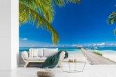 Lange steiger met de parelwitte stranden op Bora Bora fotobehang vinyl breedte 390 cm x hoogte 260 cm - Foto print op behang (in 7 formaten beschikbaar)