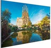 Sagrada Familia en water Aluminium 60x40 cm - Foto print op Aluminium (metaal wanddecoratie)