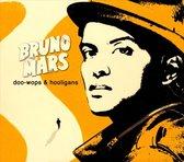 Doo-Wops & Hooligans (Deluxe Edition)