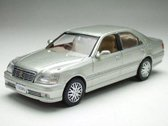 Toyota Crown Saloon G 200 - 1:43 - J-Collection