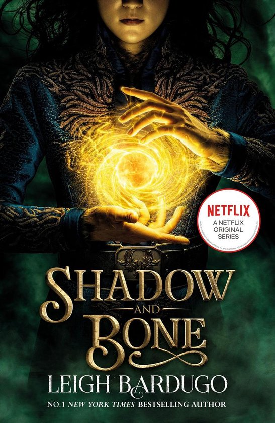 Boek cover Shadow and Bone van Leigh Bardugo (Onbekend)