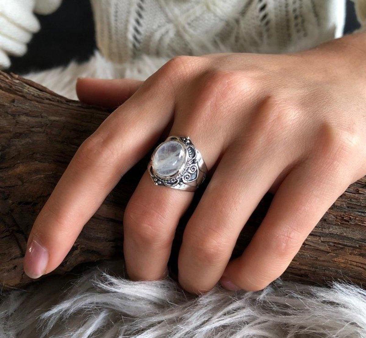 Zilveren ring Moonstone - Leelavadee Jewelry