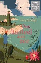 Boek cover Ons kasteel aan zee van Lucy Strange