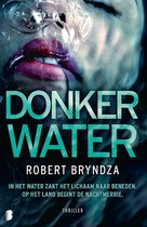 Erika Foster 3 - Donker water